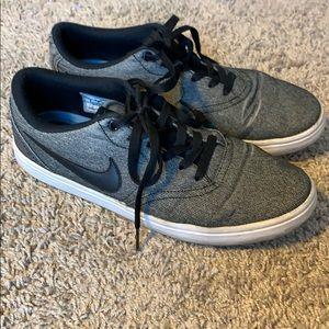 Nike Men's SB shoes